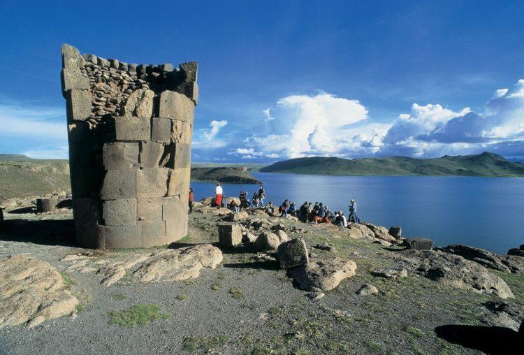 El primer ministro Del Solar no defendió el patrimonio arqueológico ni la consulta previa