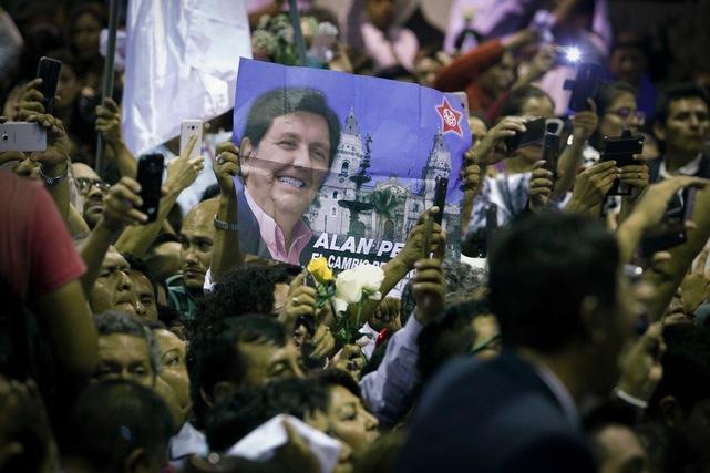 En Perú, figuras del ámbito político culpan al periodista Gustavo Gorriti y a otros medios por el suicidio de ex presidente (CPJ)