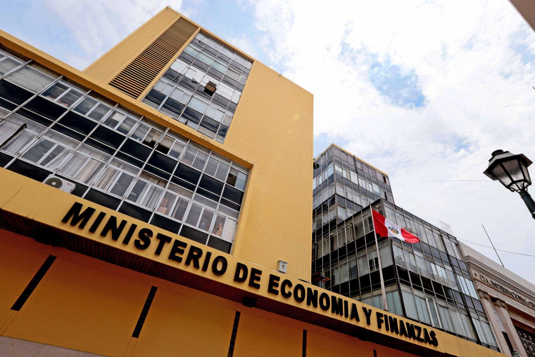 Normas que ofrece el Ministerio de Economía a favor de pueblos indígenas no se cumplen