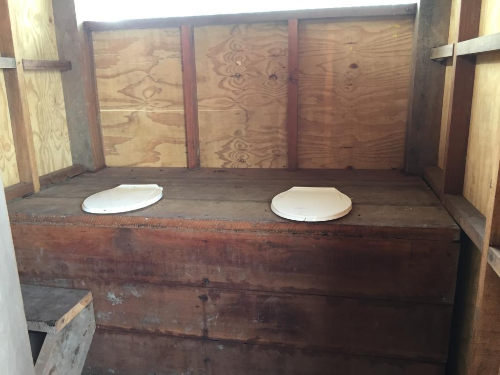 Interculturalidad ninguneada: Ministerio de Vivienda instala baños inadecuados en Cuninico