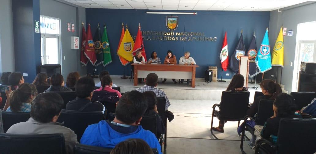 """Maritza Quispe: """"El derecho ambiental debe de aplicar los principios de prevención y precaución"""""""
