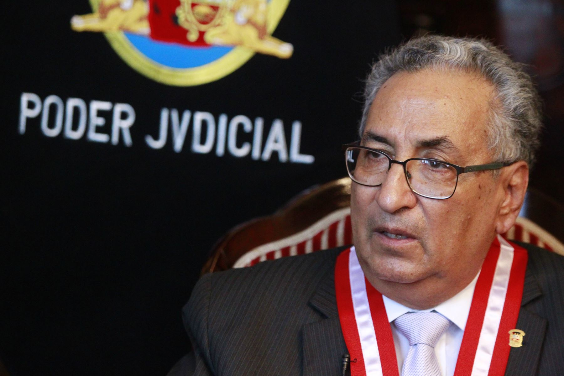 """Luis Purizaga: """"Debe de tomarse una decisión sobre la permanencia de Lecaros en la Comisión Especial"""""""