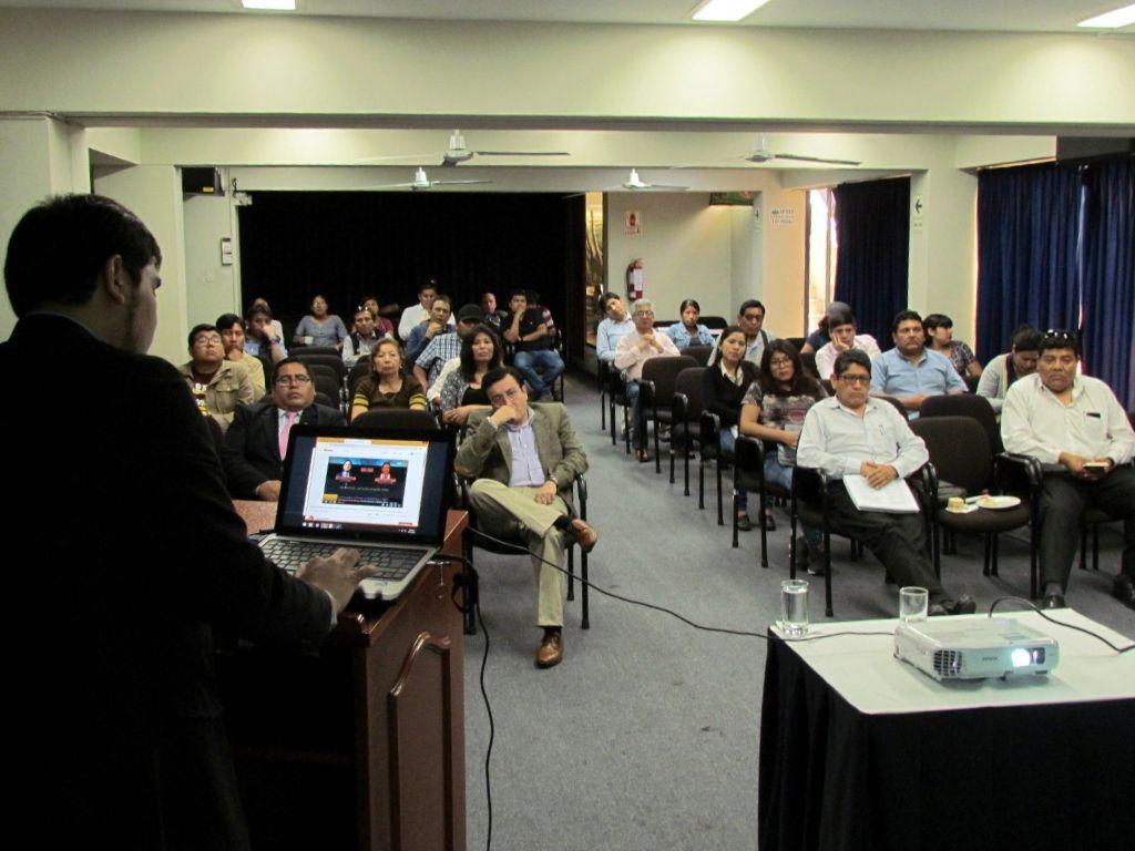 Justicia Viva capacitó a periodistas de Tacna e Iquitos