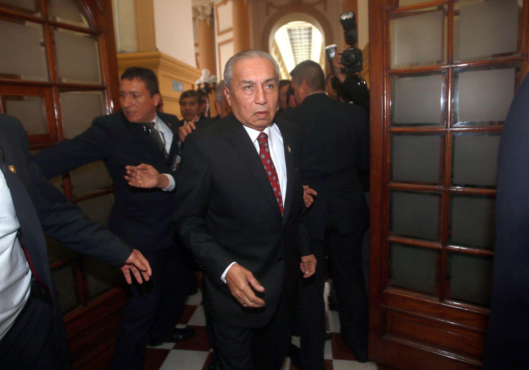 Consejo de Ética de CAL vota por suspender colegiatura de Pedro Chávarry