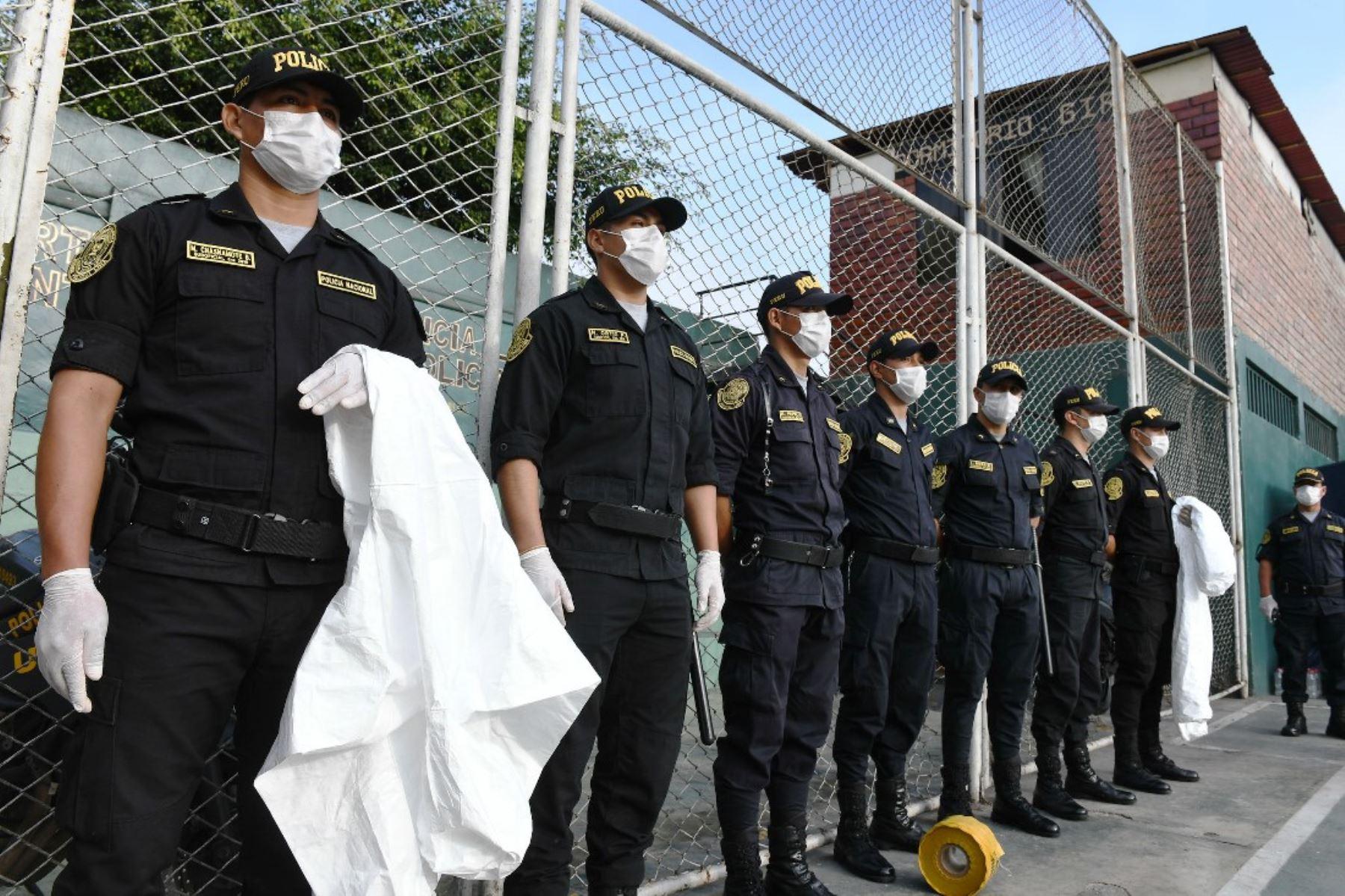 En primera línea de combate: la situación de la Policía frente a la pandemia