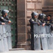 Juristas peruanos denuncian que ley aprobada favorece abusos policiales (Sputnik)
