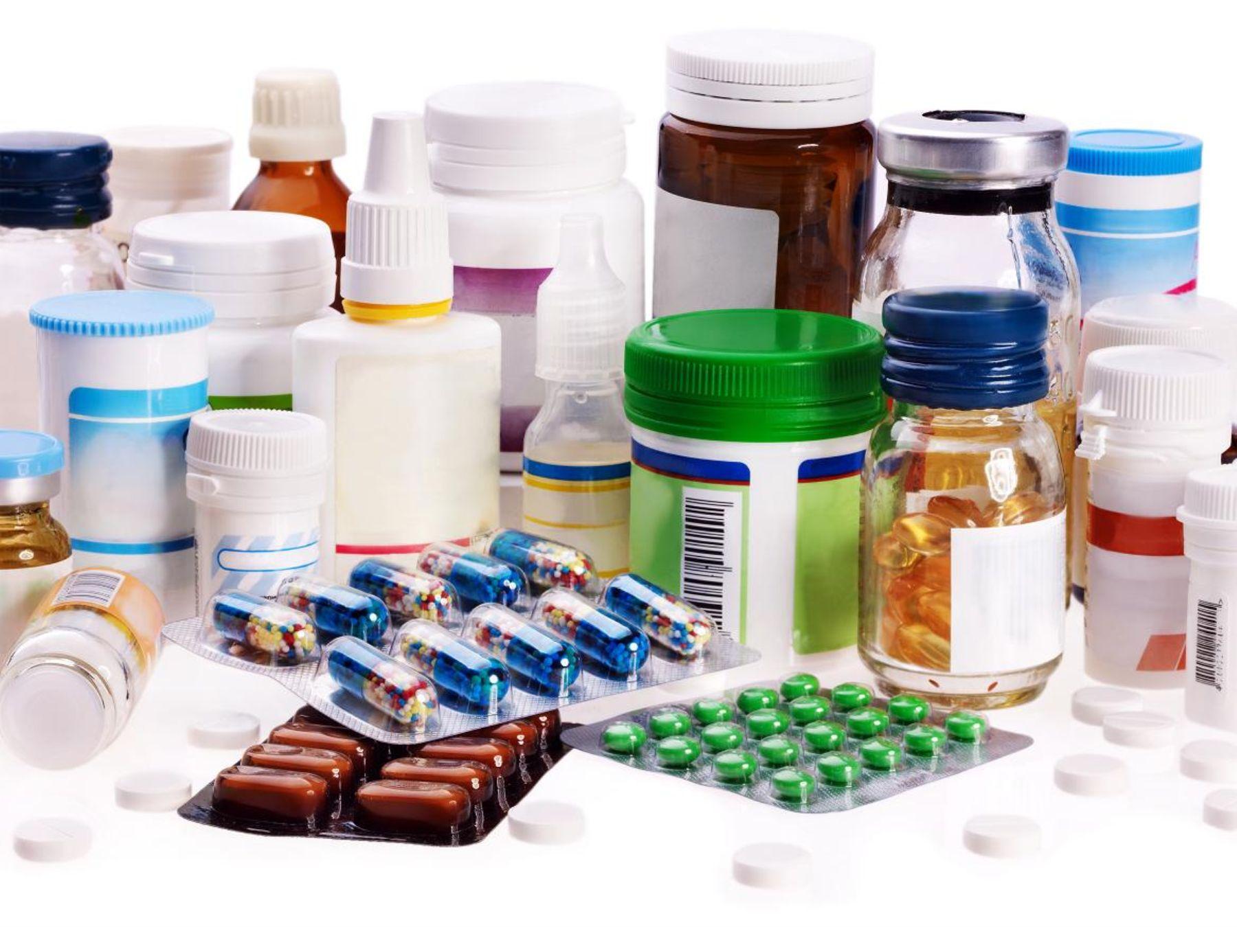 Pacientes crónicos y congresistas demandan a dueños de Inkafarma por el control de los precios de medicamentos