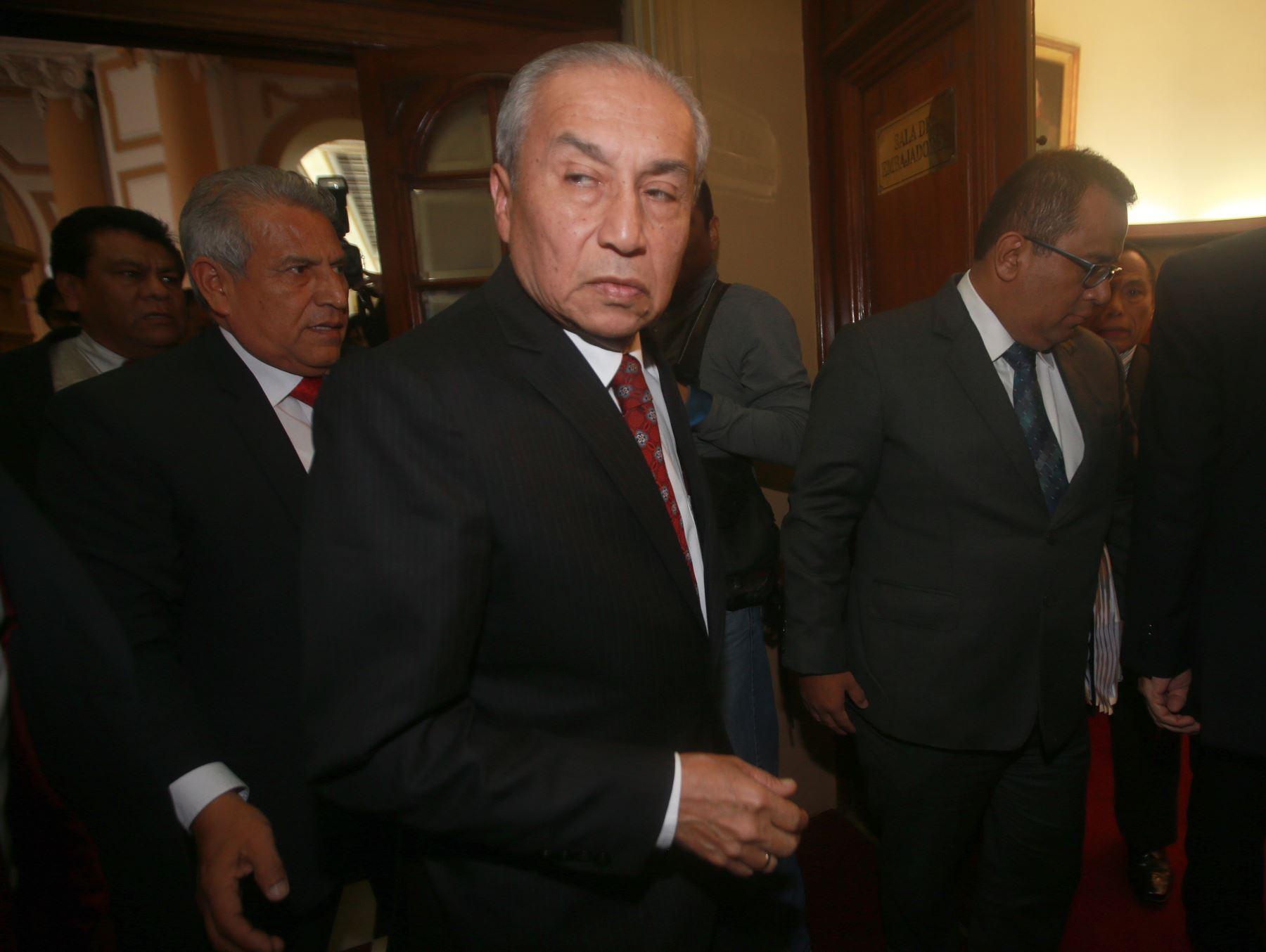 """Pronunciamiento: Absolución de fiscal supremo Pedro Chávarry por el Congreso disuelto no tiene valor jurídico de """"cosa decidida"""""""