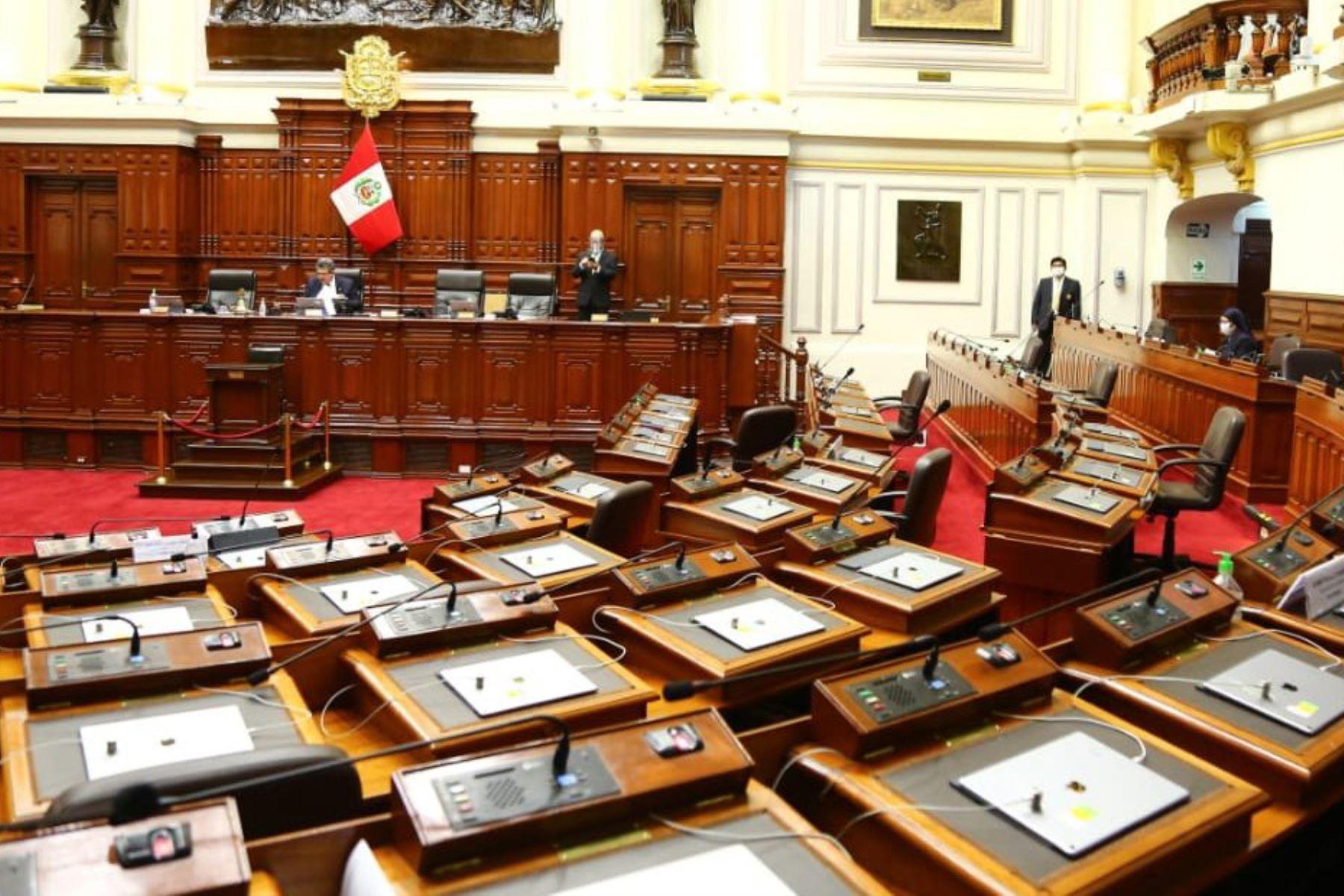 Pronunciamiento: El Congreso busca alterar la Constitución para socavar el equilibrio de poderes
