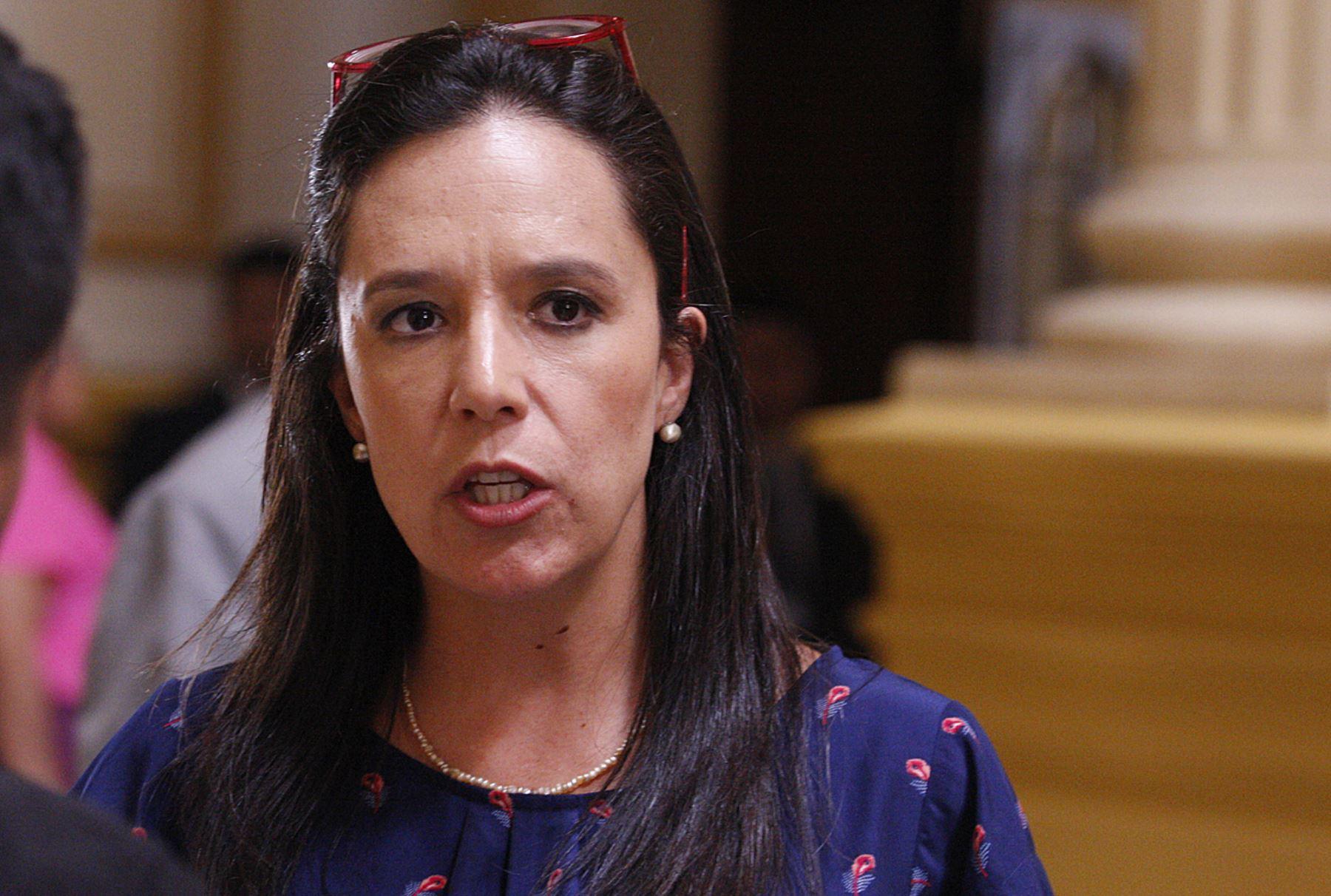 Colaborador eficaz imputa a Marisa Glave de haber recibido dinero y ella lo niega