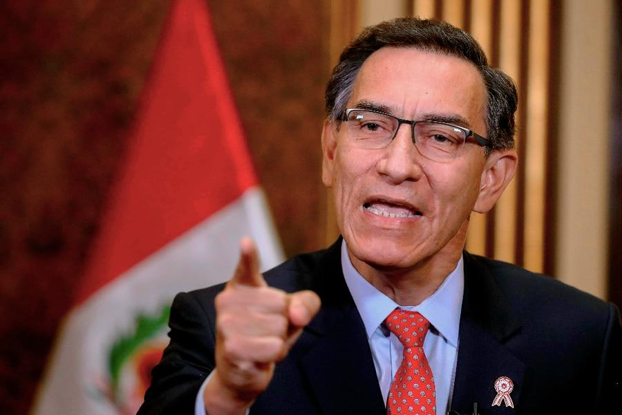 Una investigación asegura que el presidente del Congreso peruano contactó al Ejército antes de la moción de censura contra Vizcarra