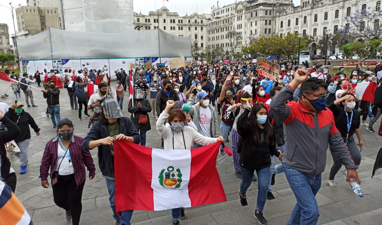 Ciudadanos presentan demanda de amparo para que se restituya orden constitucional: tú también lo puedes hacer