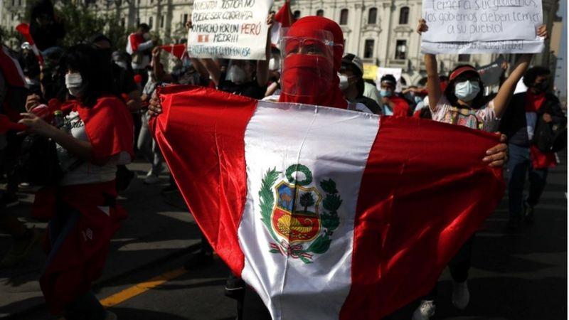 Renuncia Manuel Merino: qué hay detrás de las masivas manifestaciones que culminaron con la renuncia del presidente