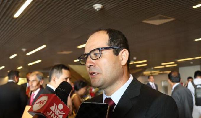 Congresista de AP revela amenazas:  si no votábamos por vacancia no nos iban a firmar proyectos