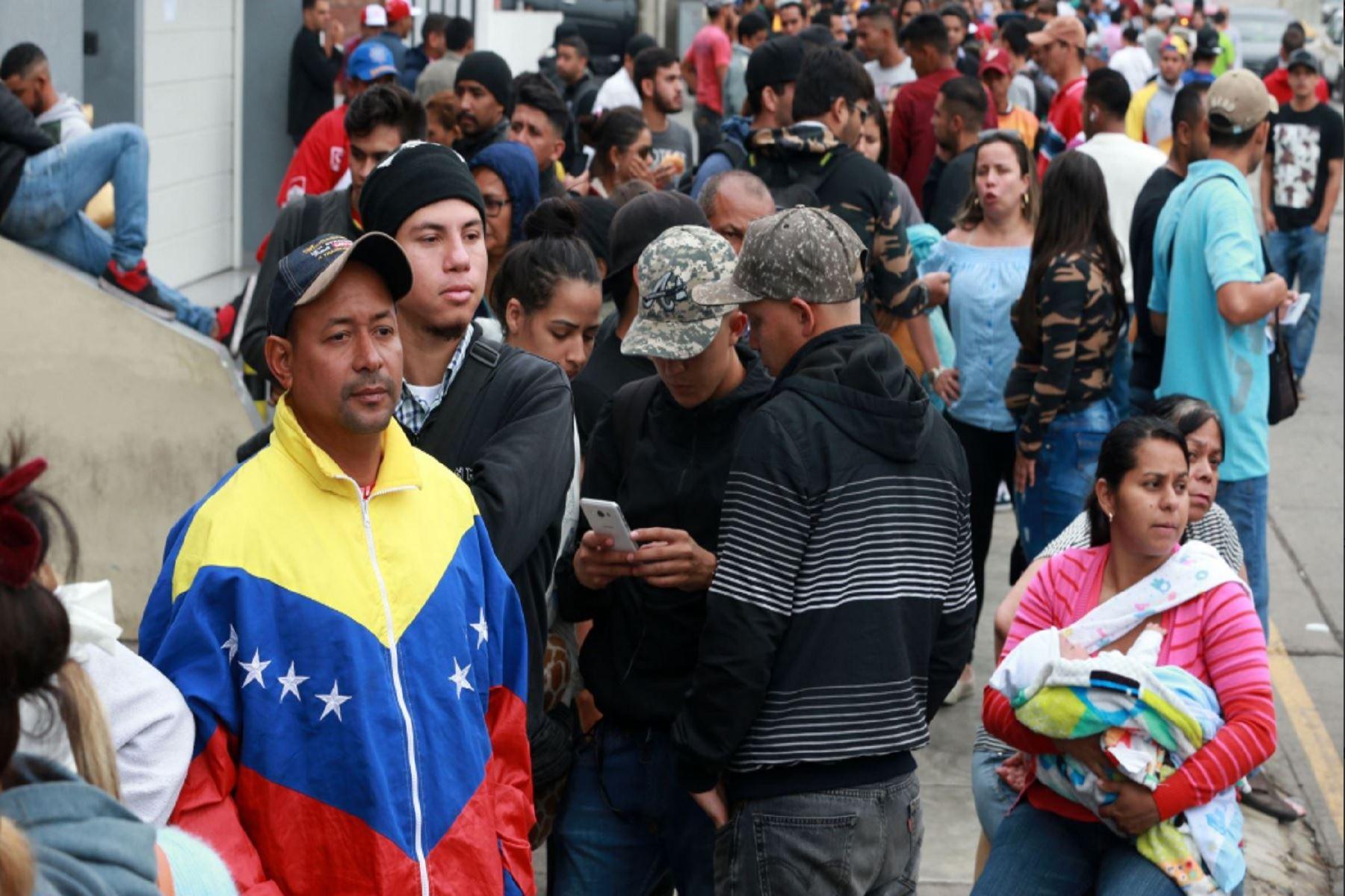 """Los """"extranjeros"""": usos políticos de la inmigración venezolana en la campaña presidencial"""