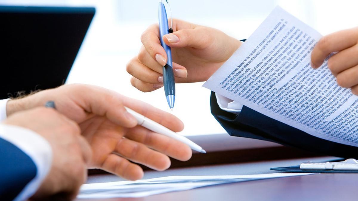 ¿Se pueden modificar constitucionalmente los contratos privados?