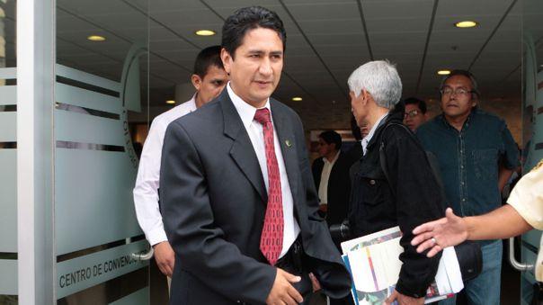 Cerrón firmó contratos con empresarios de una misma familia cuando era gobernador de Junín, según IDL-Reporteros