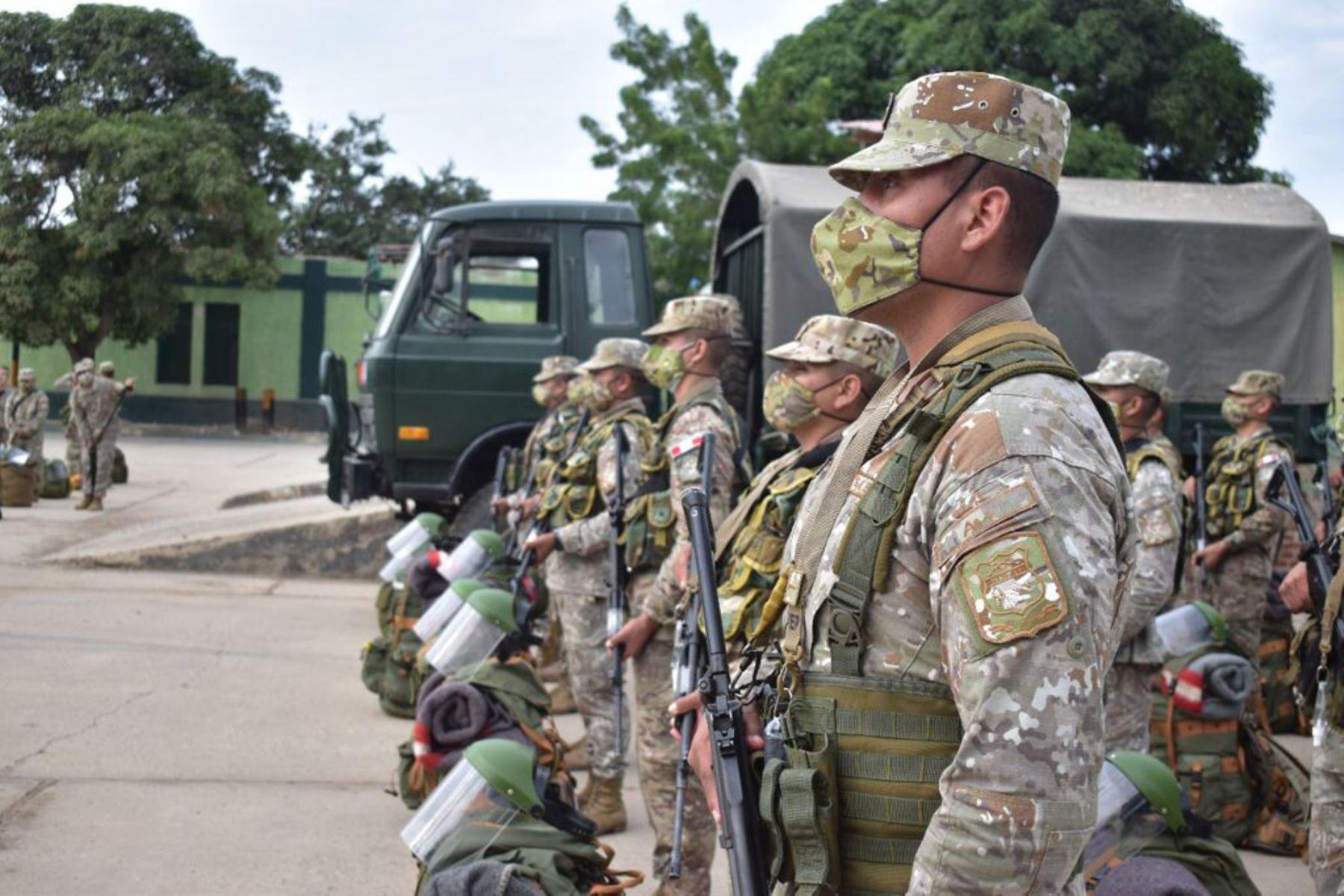 ¿Pueden militares en retiro llamar a la insurgencia de las fuerzas armadas?