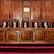 Pronunciamiento: Necesitamos un Tribunal Constitucional para defender la democracia