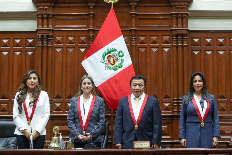 Parlamentario de siete bancadas proponen limitar censuras contra la presidencia del Congreso parlamenatario
